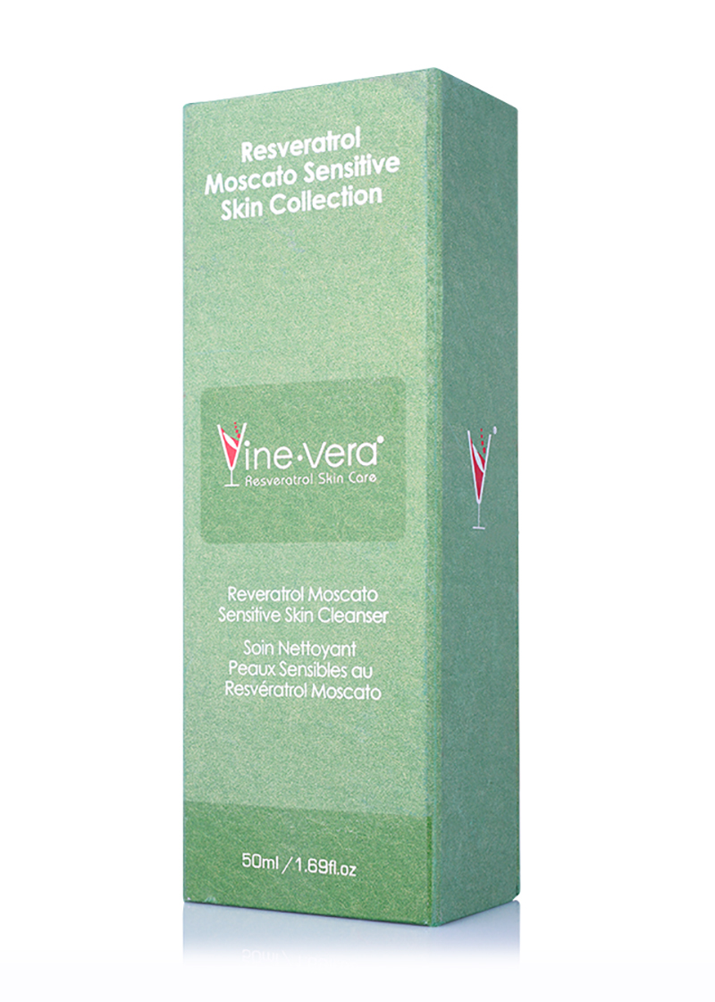 Moscato Sensitive Skin Cleanser in its case